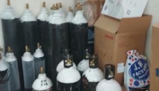 Task Force Raids On The Black Market Of Oxygen Cylinders - Sakshi
