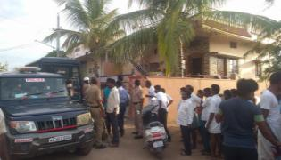 Attack On Son In Law Family With Swords At Raichur - Sakshi