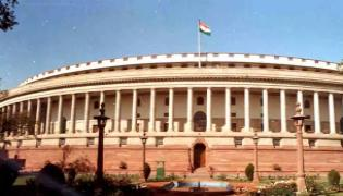 Venkaiah Naidu reviews Monsoon Session Parlament panel meetings - Sakshi