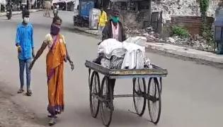 Woman Carries Husband Body On Push Cart In Karnataka Viral Video