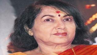Actress Jayanthi admitted to a hospital in Bengaluru - Sakshi