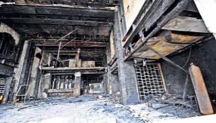 Police Said Notices Have Been Issued To Ramesh Hospital Vijayawada - Sakshi