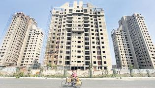 Real estate sentiment hits all-time low in  COVID-19 - Sakshi