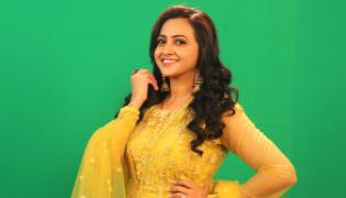 Bigg Boss 4 Telugu: Anchor Lasya as 3rd Contestant - Sakshi