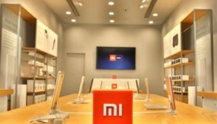 Xiaomi Leads Smartphones Sales in India - Sakshi
