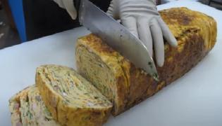 Giant Omelette Made With 60 Eggs Shocks The Internet - Sakshi