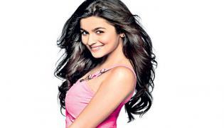 Alia Bhatt crosses 50 million followers on Instagram - Sakshi