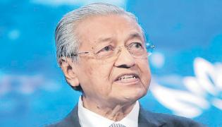 Malaysian Prime Minister tweet that said Muslims have the right to kill - Sakshi
