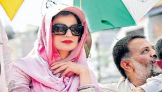 Women Movie Celebrities Campaign In Bihar Elections - Sakshi