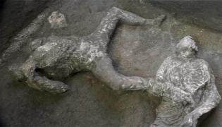 2000 Years Old Lava Filled Bodies Found In Pompeii - Sakshi