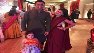 MS Dhoni Dance Moves With Sakshi, Ziva, Friends