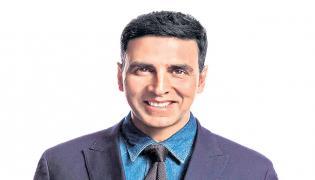 Akshay Kumar to remake Oosaravelli - Sakshi