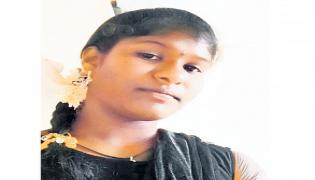 Ninth Class Girl Deceased For Phone Over Online Classes In Palakurthi - Sakshi