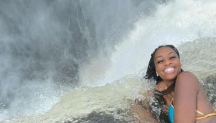 Viral Video: Model Dangerous Bikini Shoot in Victoria Falls - Sakshi