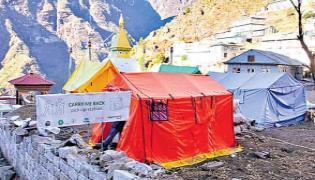 Mount Everest Is Full Of Garbage - Sakshi