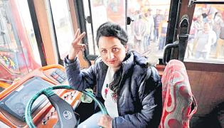 Pooja Devi Becomes Jammu&Kashmir First Woman Bus Driver - Sakshi