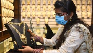 Gold Price Today: Yellow Metal Slides One Month LowSilver Falls - Sakshi