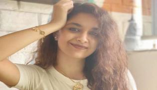 Keerthi Suresh Shares Her Picnic Photos With Her Pet Nick - Sakshi