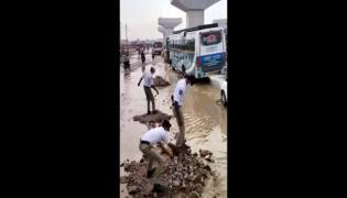 Viral Video: Uppal Traffic Police Clearing Waterlogging