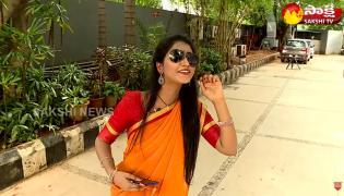 Garam Garam Varthalu Ravali Fun On MP Lady Minister 100 Rs Selfie