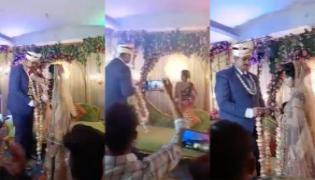 Bride Starts Playing Kabaddi On Stage Groom Shocked Video Goes Viral - Sakshi
