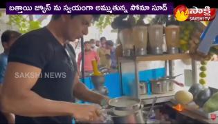 Viral Video: Lockdown Hero Sonu Sood Selling Mosambi Juice