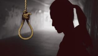 Husband Assassinate His Wife In Karnataka - Sakshi