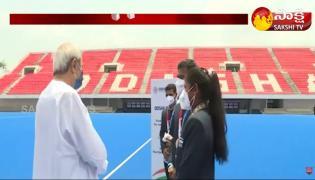 CM Naveen Patnaik Greets Odisha Hockey Players