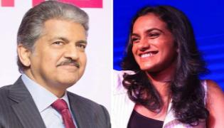 Anand Mahindra Reacts On Demanding Thar For PV Sindhu  - Sakshi