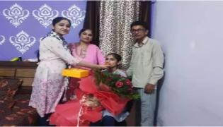 Auto Driver Daughter Scores 98 Percentage In Inter - Sakshi