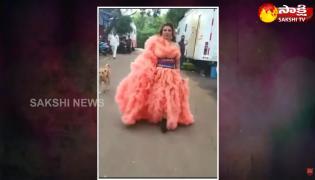 Garam Garam Varthalu: Rakhi Sawant Tulle Dress Viral Video