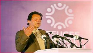 Imran Khan Says India Population Is 1 Billion 300 Crores Video Goes Viral - Sakshi