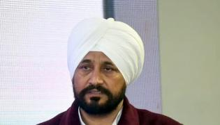Punjab CM Charanjit Singh Channi gets emotional his first press conference - Sakshi