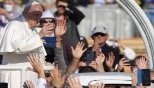 Pope Francis Said Some Church Officials Wants His Death - Sakshi