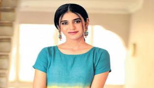 Priya Prakash Varrier Talks About rainy season - Sakshi