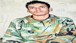 Pakistan Terrorist 19 Captured Another Killed During Infiltration Attempt - Sakshi