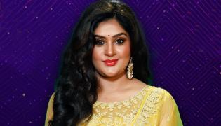 Bigg Boss 5 Telugu: Priya Entered As 7th Contestant In House - Sakshi