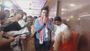 Vijayawada: Sonu Sood Visits Kanaka Durga Temple