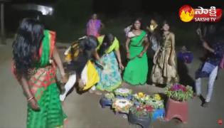 Garam Garam Varthalu: Bathukamma Dance Viral Video