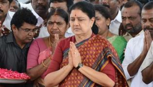Sasikala to Return to Jayalalithaa Memorial Today - Sakshi
