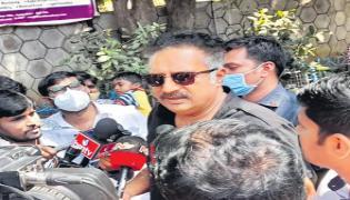 MAA Elections 2021: Prakash Raj Monitors CCTV Footage Of Polling Day - Sakshi