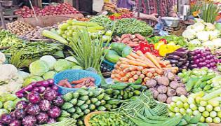 Vegetable Rates Spike Due to Fuel Price Hike And Rains - Sakshi