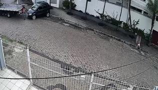 Viral: Truck Driver Narrowly Escaped From Crushing Between Car And Lorry Brazil