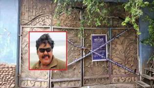 Chennai Corporation Sealed Actor Mansoor Alikhan House In Tamilnadu - Sakshi