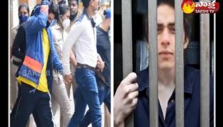 bollywood badshah shah rukh khan's son aryan khan drugs case latest news