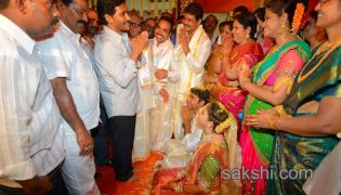 ys jagan Interacting with people