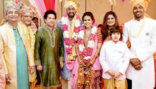 Krunal Pandya wedding with Pankhuri Sharma - Sakshi