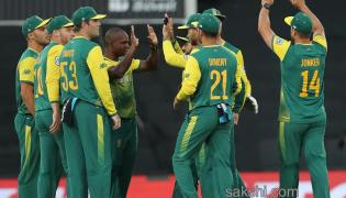 South Africa Beat India By 6 Wickets - Sakshi