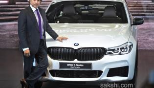 Sachin Tendulkar unveils BMW 6 Series Gran Turismo at Auto Expo 2018  - Sakshi