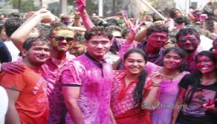 Holi celebrations in hyderabad - Sakshi